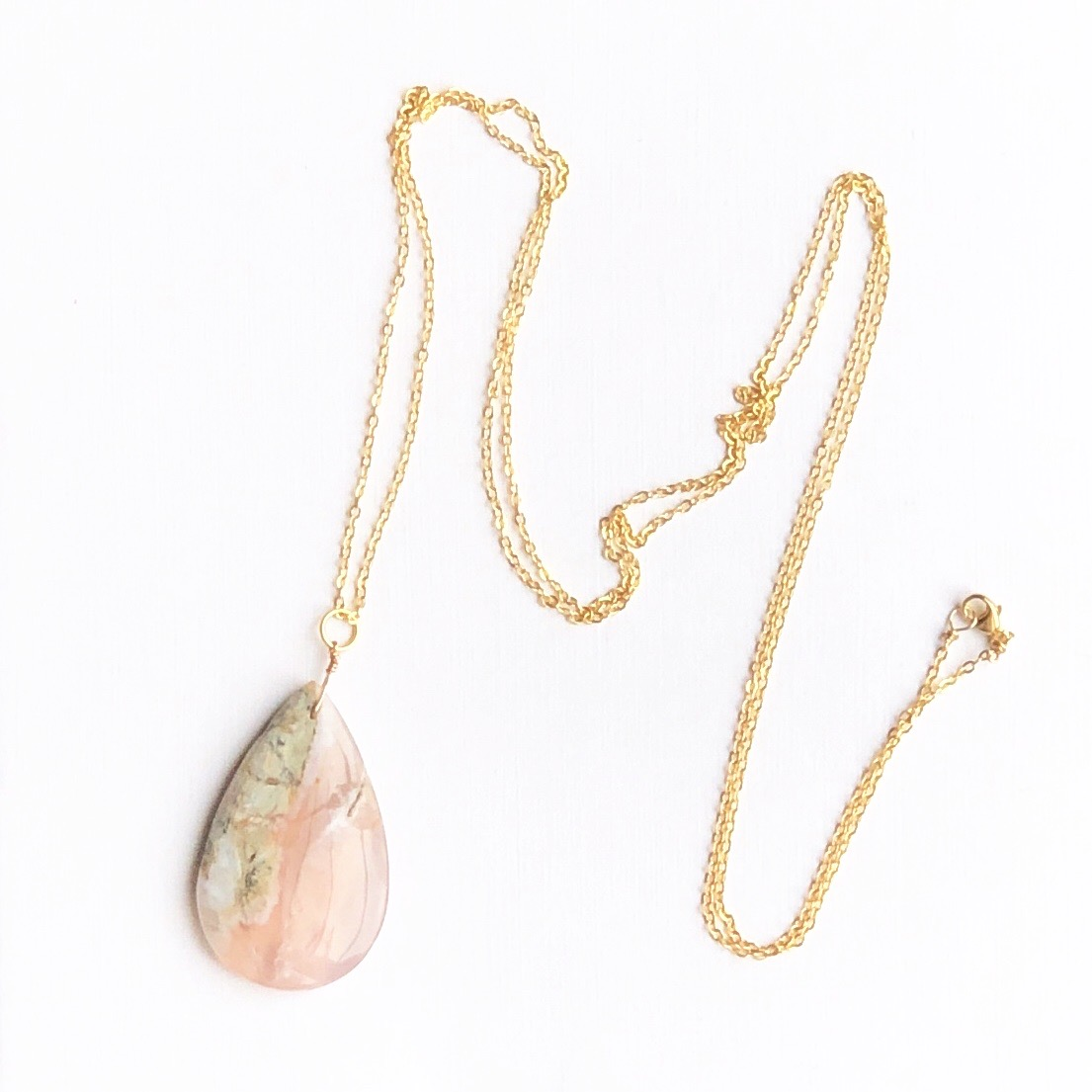 Indy & Noa goldfilled calcedone necklace